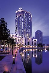 Singapore's Grand Copthorne 5-Star with Community